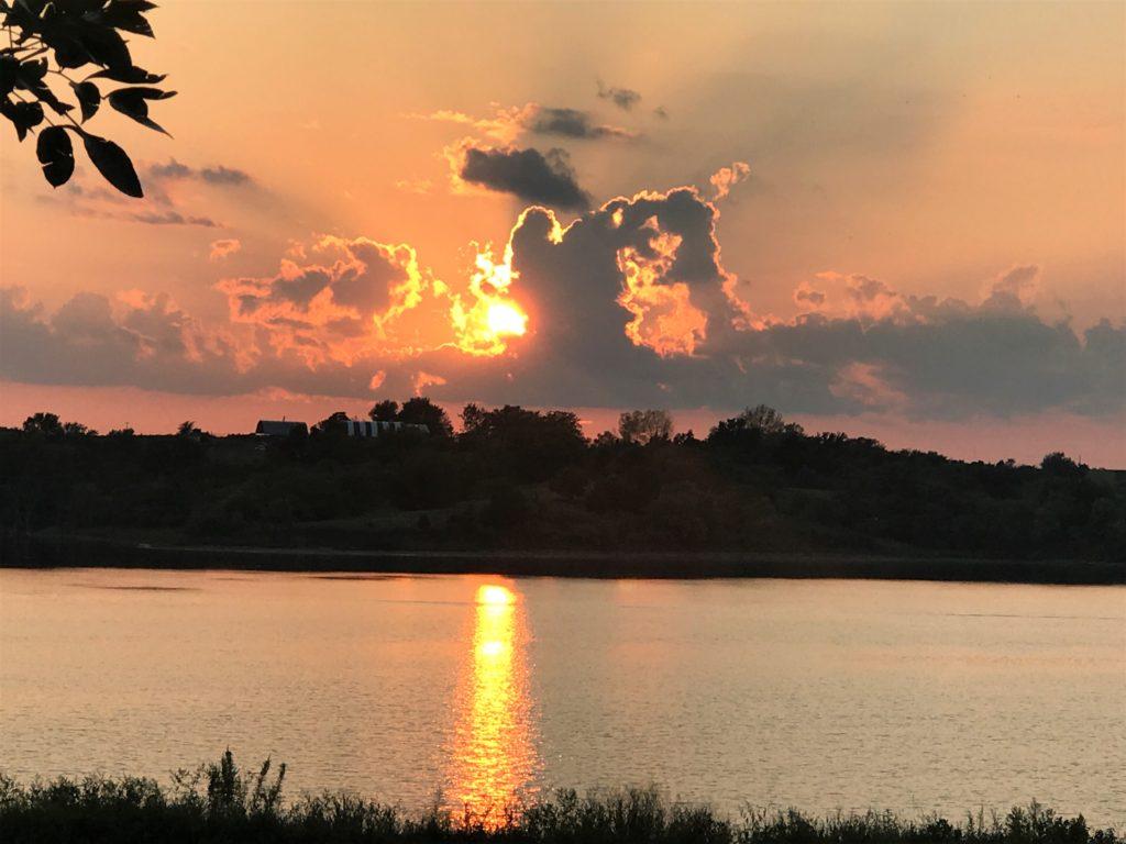 Watching the sunset at Mozingo Lake