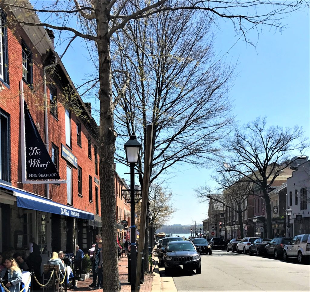 Restaurants Along King Street in Old Town Alexandria, Virginia