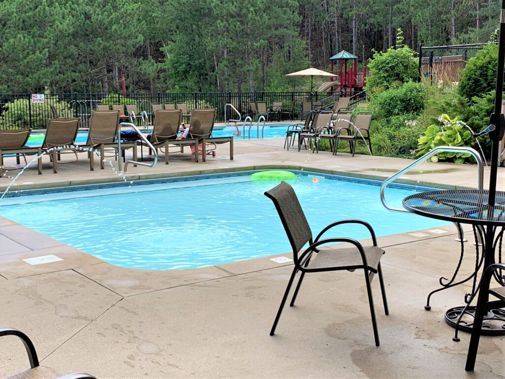 heated swimming pools at Lake George campground