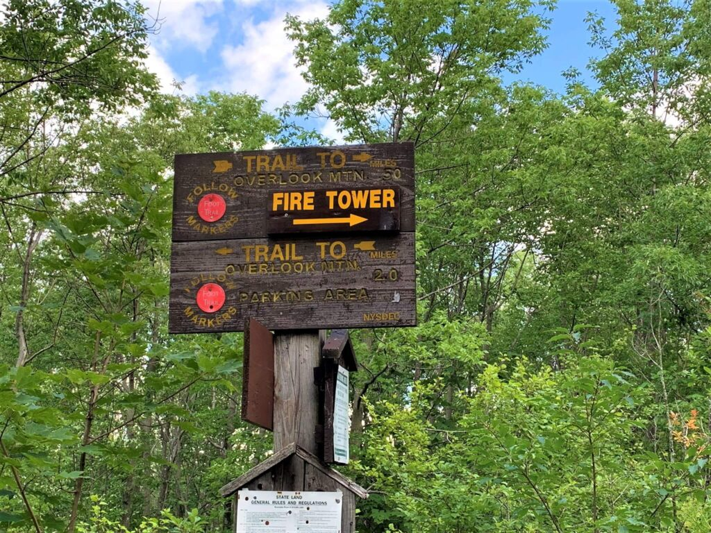Trailhead signs on Overlook Mountain trail
