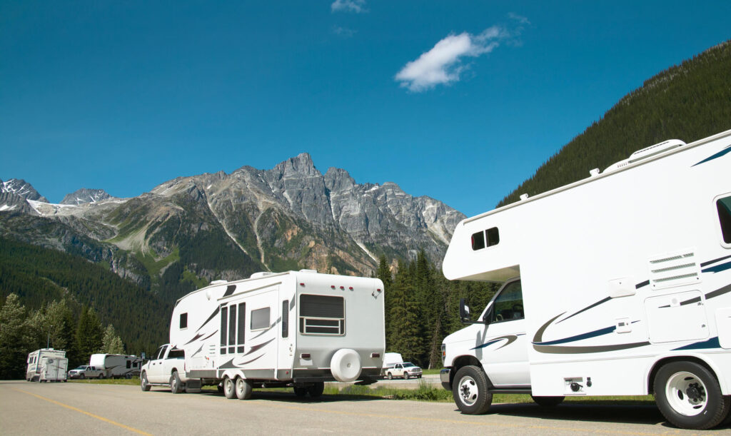 Fifth Wheel travel trailer and Class C Motorhome