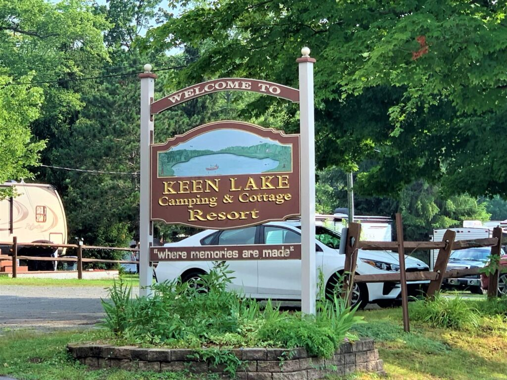 Welcome sign keen lake