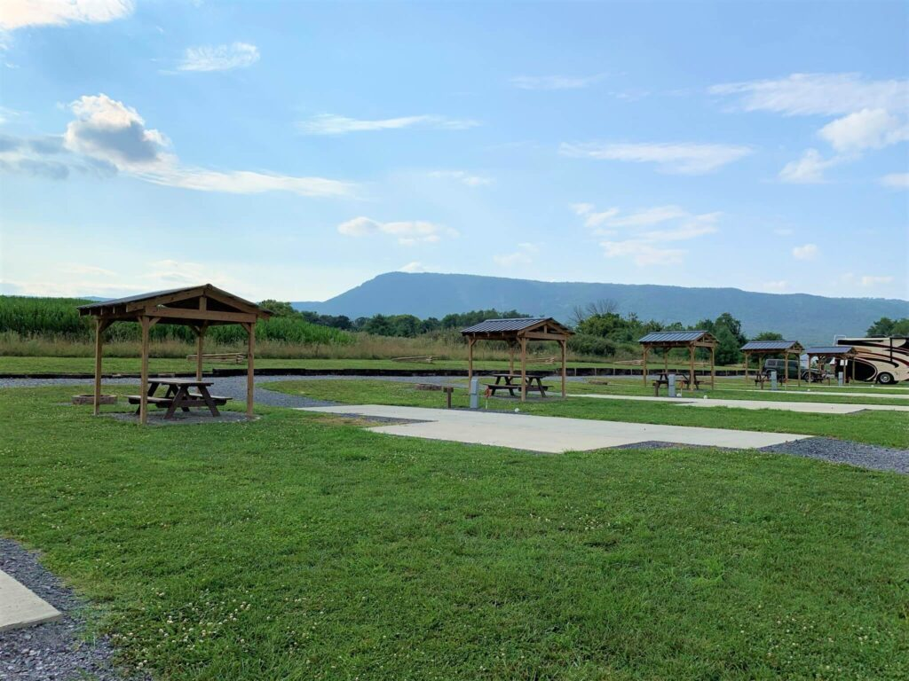 Amenities at Outlanders River Camp